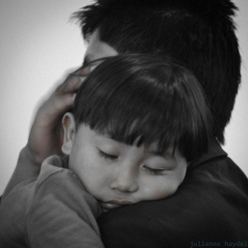 Es más fácil construir niños fuertes que reparar hombres rotos. Frederik Douglas